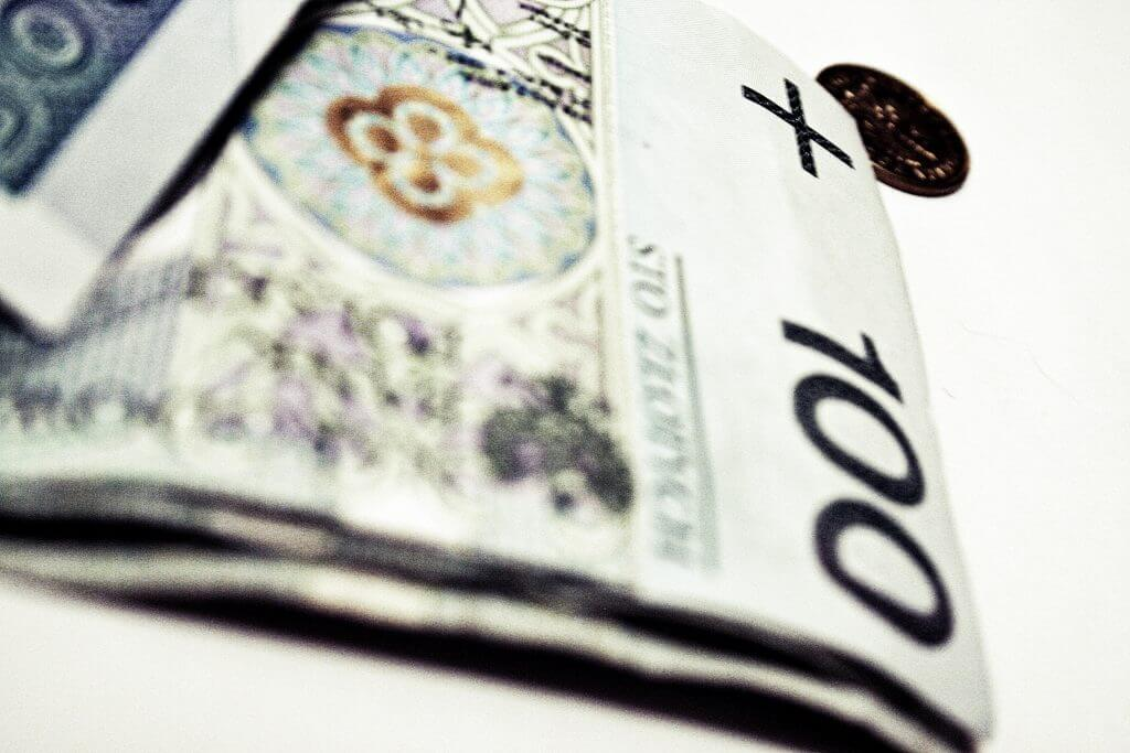 Kredyt na spłatę komornika i szybkie pożyczki przez internet